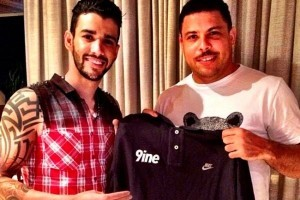 No mundo dos artistas: Ronaldo Fenômeno fecha contrato com Gusttavo Lima