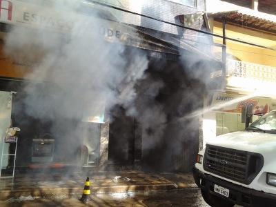 Matipó: fogo atinge lojas e apartamentos no centro comercial da cidade