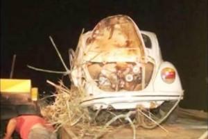 Caratinga: carro desgoverna, invade cemitério e destrói túmulos