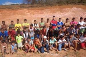 Manhuaçu: desportistas criam escolinha de futebol em Santo Amaro