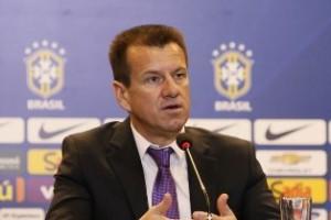 """Seleção Brasileira: Dunga não convoca """"brasileiros"""" para amistosos"""