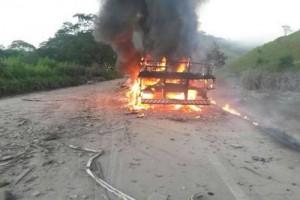 Rio Casca: Acidente entre carreta e caminhão mata uma pessoa na BR-262