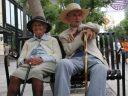 Idosos requerem cuidados especiais para evitar quedas e fraturas