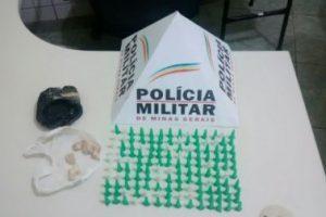 Cocaína e crack apreendidos pela PM, em Manhuaçu