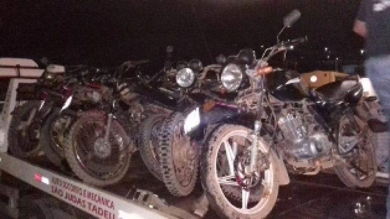 PM apreende motocicletas em Espera Feliz