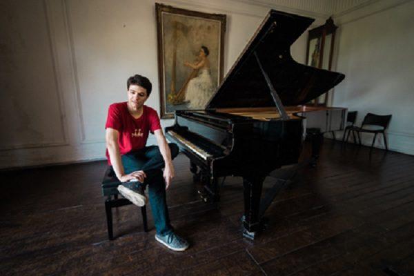 rafael-pianista-manhuacu.jpg