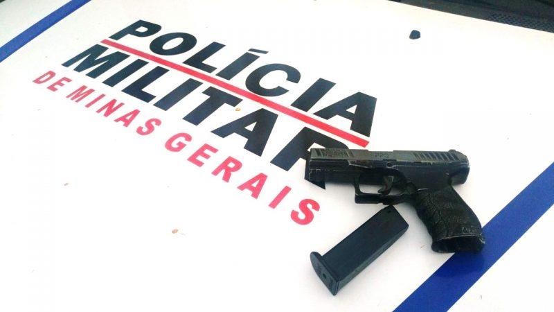 Manhuaçu: Imitação de arma de fogo é apreendida em Palmeiras