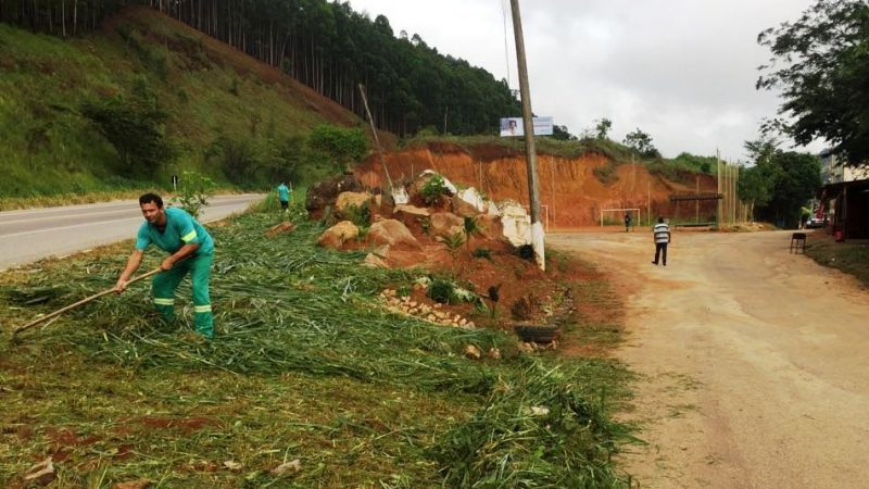 Manhuaçu: SAMAL leva limpeza a Vila Boa Esperança