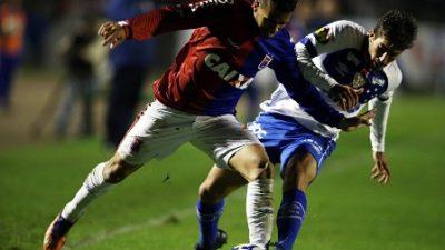 Cruzeiro sai na frente e cede empate ao Paraná