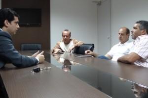 Manhuaçu: vereadores buscam soluções para quadra em Vilanova