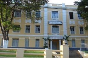 Carangola: Anastasia assina estadualização da Fafile no sábado, 30