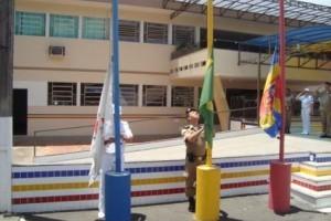 Manhuaçu: Polícia Militar comemora o Dia da Bandeira