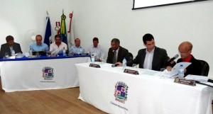 manhuacu-camara-reuniao