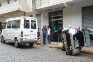 Manhumirim: acidente no centro assusta pedestres