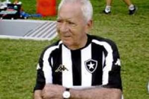Luto: morre Nilton Santos, bi-campeão mundial e ídolo do Botafogo