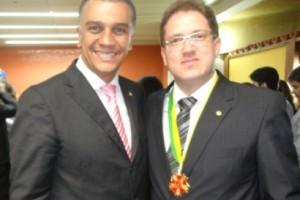 Belo Horizonte:  Presidente da OAB Manhuaçu  recebe medalha Direito e Cidadania