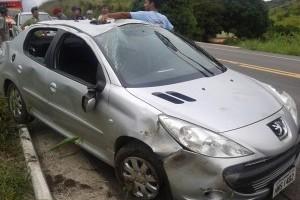 Ubaporanga: veículo capota na BR 116