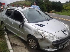 ubaporanga-carro-capota