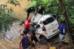 Estradas: acidente fere motorista gravemente entre Reduto e Manhumirim
