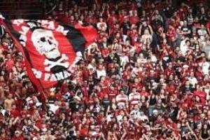 """Punição: """"Fanáticos"""" do Atlético/PR estão proibidos de ir ao estádio por 6 meses"""