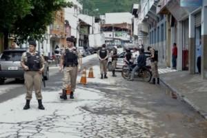 Manhuaçu: Polícia Militar realiza blitz educativa de Natal