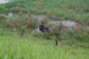 Manhuaçu: acidente envolve família de São Paulo. Carro saiu da pista