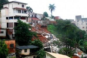 Chuvas: sobe para 14 o número de mortos em Minas