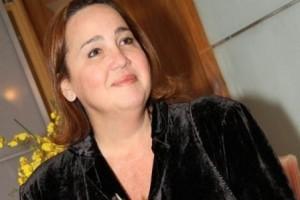 """Artistas: Claudia Jimenez deixa CTI; José Abreu fratura costela e Ivete é """"atacada"""" por fã"""