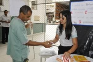 Manhuaçu: HCL promove campanha educativa no Dia de Luta contra a Aids