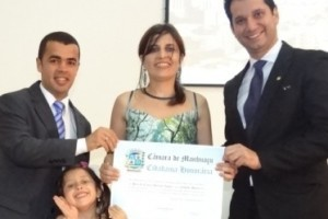 Manhuaçu: Câmara de vereadores presta homenagens. Clique e veja as fotos