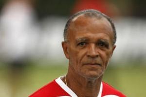Renovação: Jayme de Almeida assina por mais 2 anos com o Flamengo