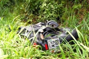 Manhuaçu/Realeza: motociclista morre ao bater na traseira de caminhão