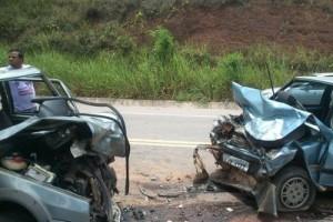 Santa Rita de Minas: acidente mata caminhoneiro na BR 116