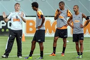 Minas: Atlético tem treino tático; Cruzeiro volta ao Mineirão; América visita Independência
