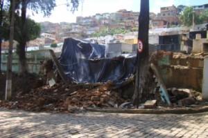 Manhuaçu: muro do cemitério está caído há cerca de duas semanas