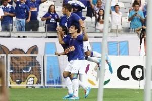 Libertadores: Cruzeiro e Grêmio Goleiam em casa; Atlético/PR perde na Argentina