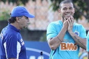Minas: Nilton volta ao time titular do Cruzeiro