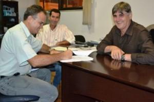 Manhuaçu: Prefeitura assina convênio com a EMATER