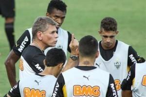 Minas: Atlético para enfrentar o América é esboçado por Autuori