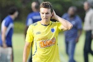 Minas: Dagoberto volta aos treinos no Cruzeiro