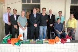 Manhuaçu: OAB entrega kits escolares para crianças da DAREI