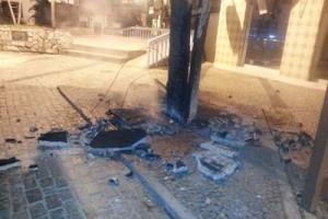 Manhumirim: mesas e cadeiras de restaurante são incendiadas
