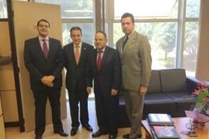 Manhuaçu: Deputado João Magalhães anuncia liberação do curso de medicina para a FACIG