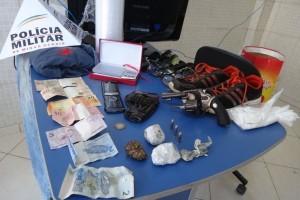 Manhuaçu: PM apreende drogas, armas e munições no bairro São Vicente