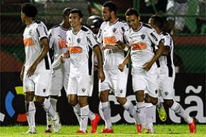 Brasileirão: Atlético vence o Vitória na Bahia e assume o 7º lugar