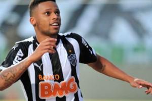 Brasileirão: Atlético vira e derrota o Santos, no Pantanal