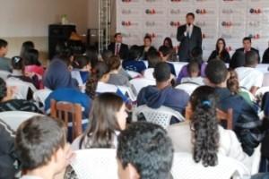 """Manhuaçu: """"OAB vai à escola"""" realiza palestra em São Pedro do Avaí"""