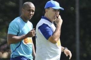 Brasileirão: Cruzeiro não terá Dagoberto contra o Flamengo. Entra Marlone