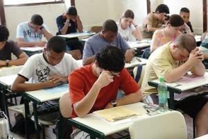 Educação: Prazo para renovar FIES vai até 29 de maio