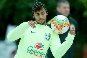Seleção Brasileira: Neymar se destaca em treino